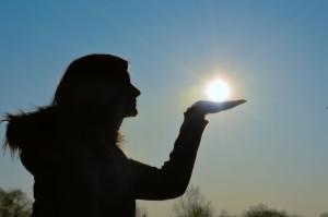Sun_in_hand